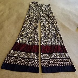 Women's wide legged pants